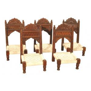 lage Indische stoel